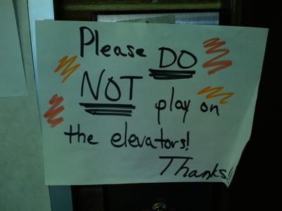 Elevator_sign_2